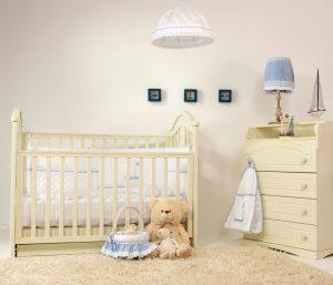 étapes préparer chambre de bébé papier peint