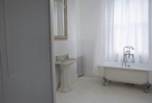 Bien choisir, pour repeindre sa salle de bains