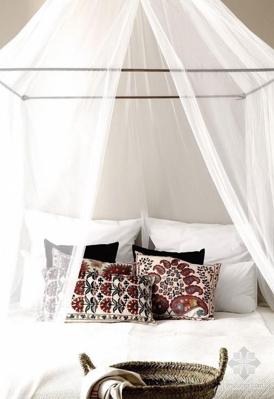 déco rideaux ciel de lit en voilage