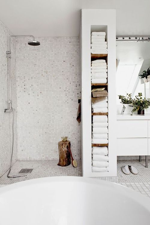 idée carrelage salle de bains - revetement-sols-salle-de-bains-carrelage-mosaique