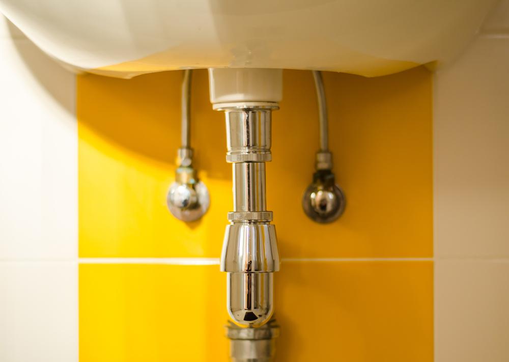 rénovation salle de bains - l'accès à la robinetterie
