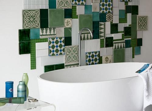 Tailles de carrelage différentes pour une salle de bain original !