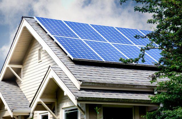 panneau solaire sur un toit