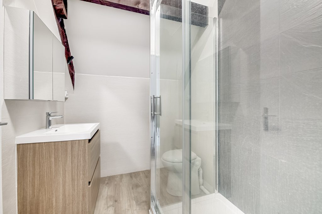 salle de bain après rénovation