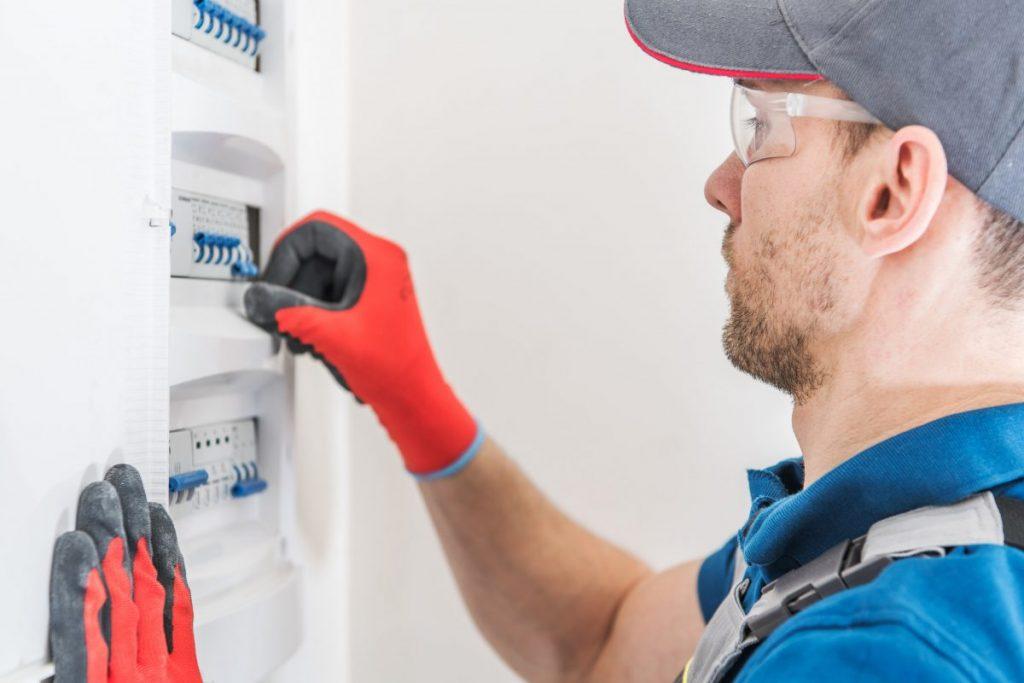 électricien réparation tableau