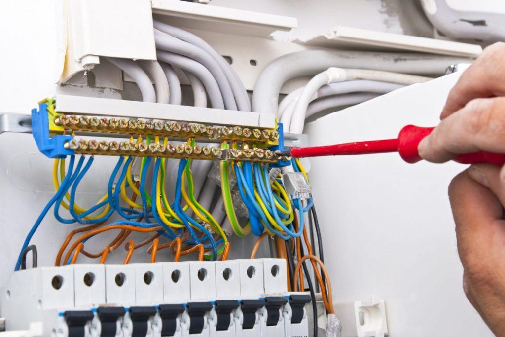 cables-et-disjoncteurs-electriques