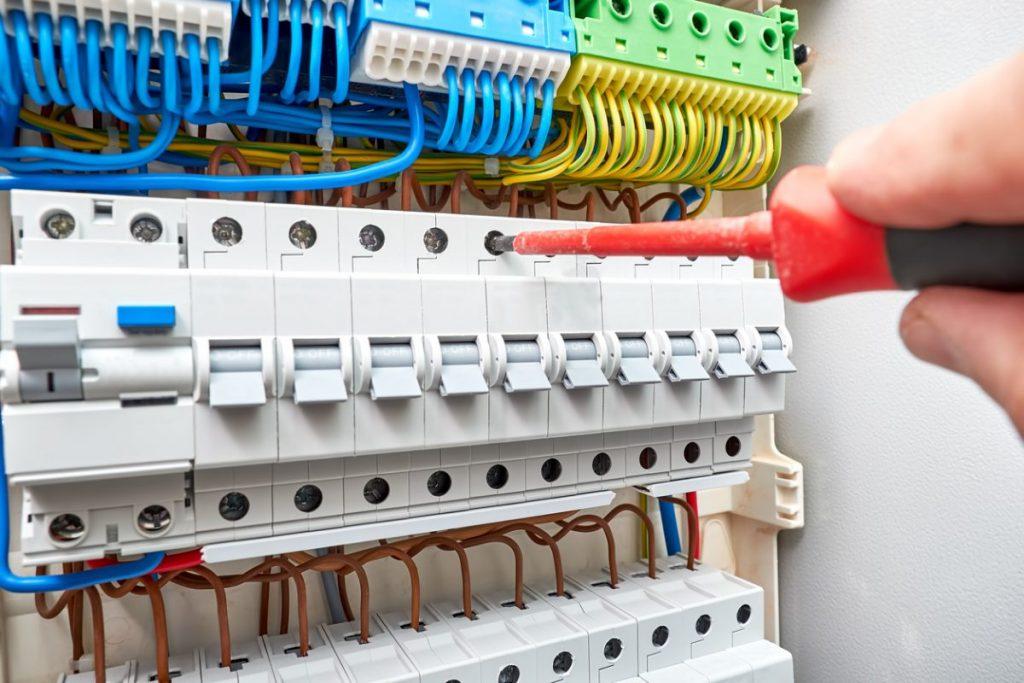 installation tableau electrique delesteur