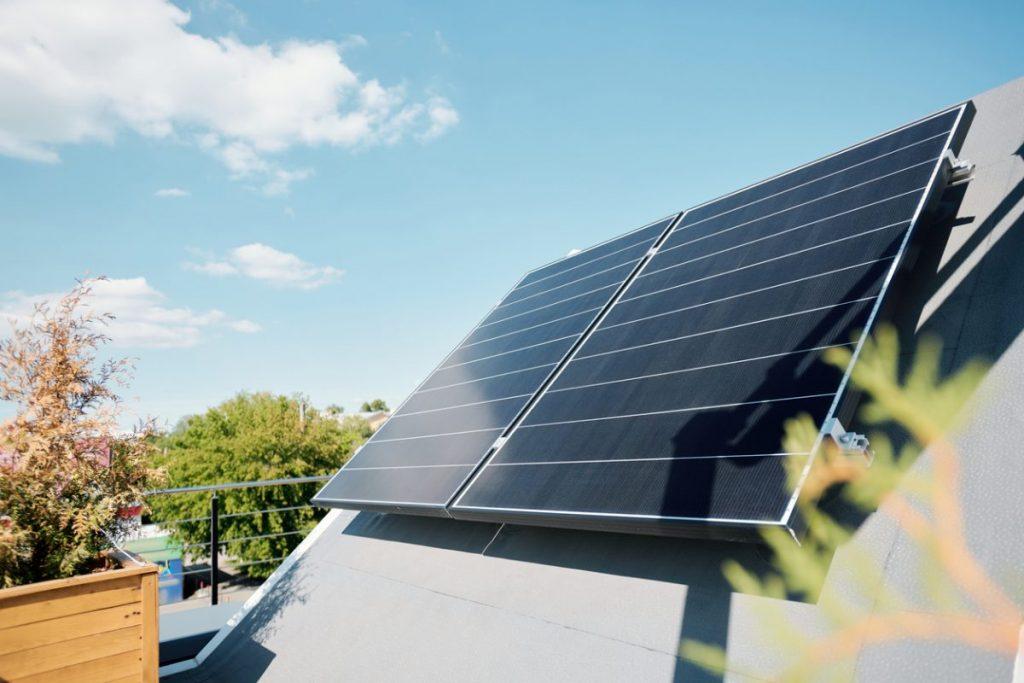 panneau solaire inclinaison toit