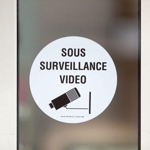 affiche-sous-surveillance-video