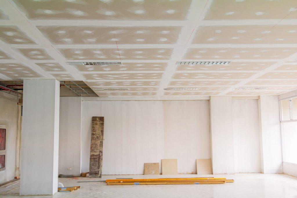 reboucher fissures plafond