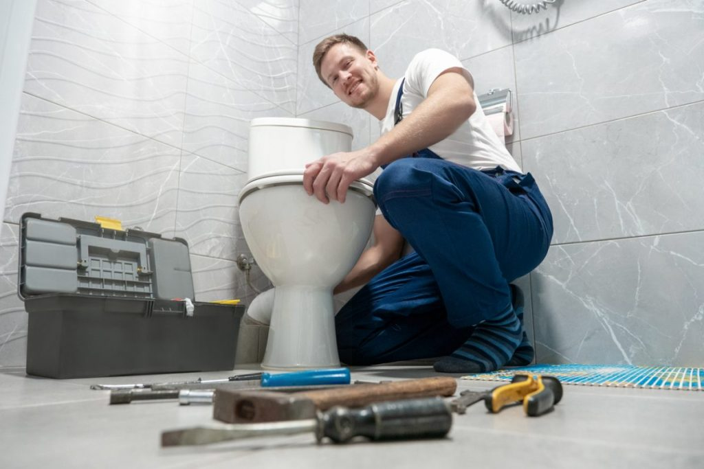 installation-plombier-WC-outils