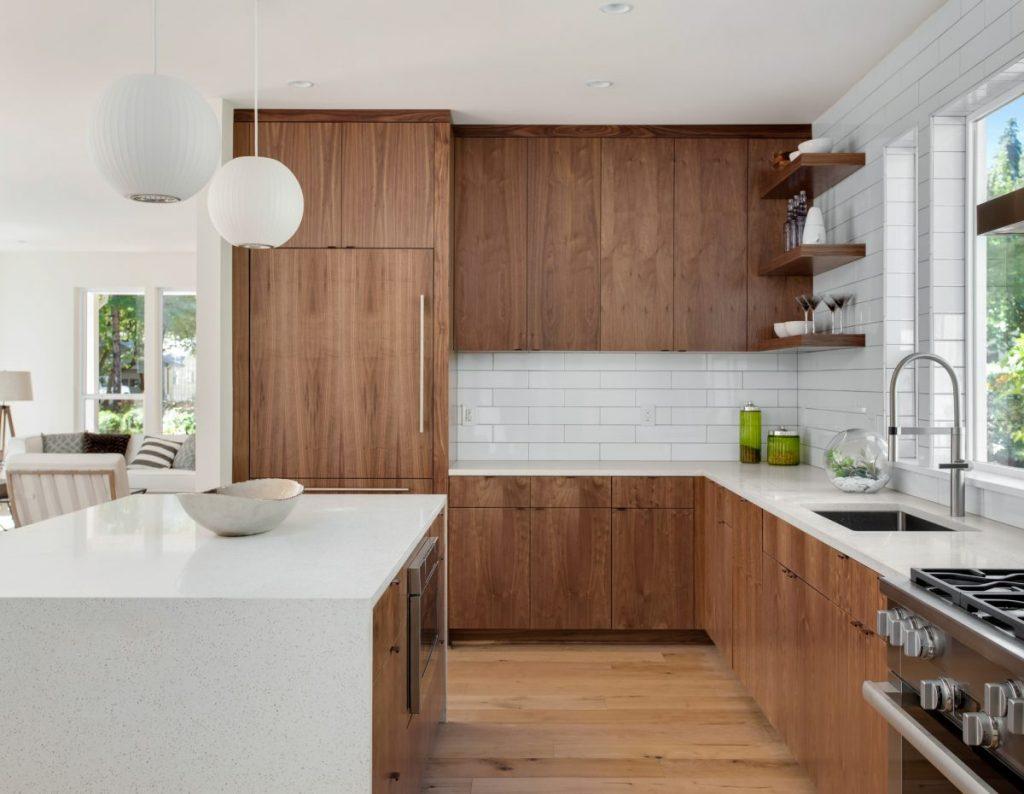 cuisine ouverte bois avec carrelage imitation bois