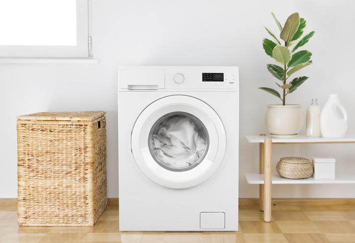 Une lave-linge plus efficace grâce à l'adoucisseur d'eau