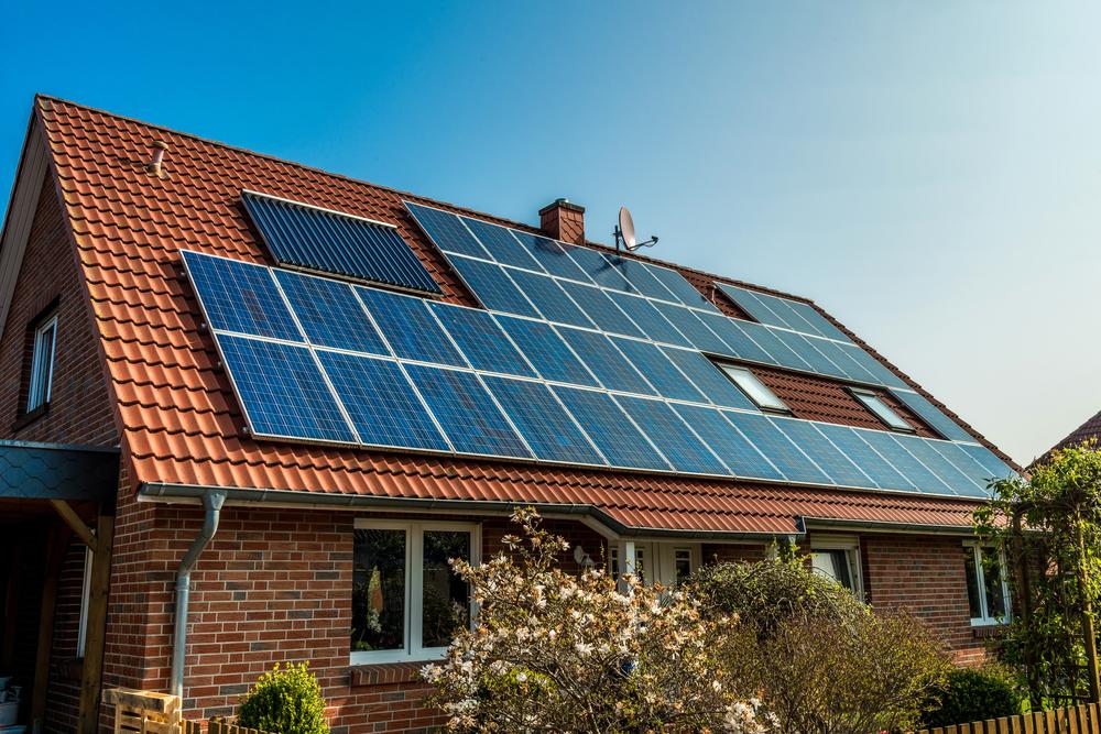 panneaux-solaires-maisons-adaptees