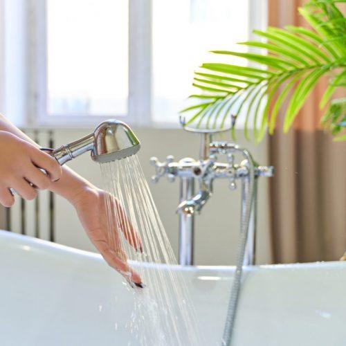 reduire-consommation-d-eau-moyenne-par-personne-douche