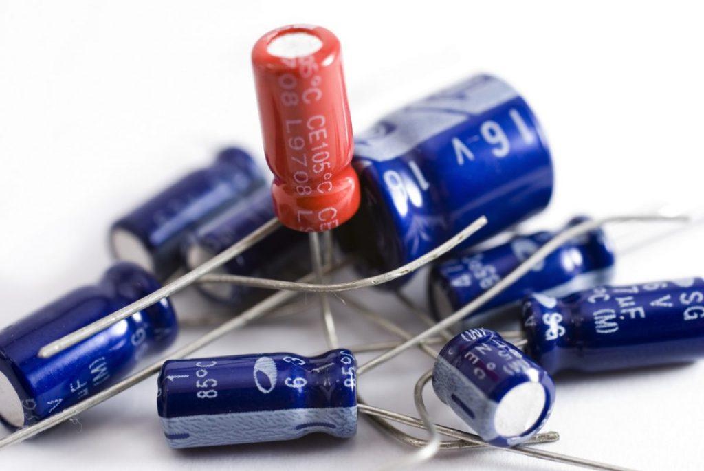 utilité des condensateurs électriques