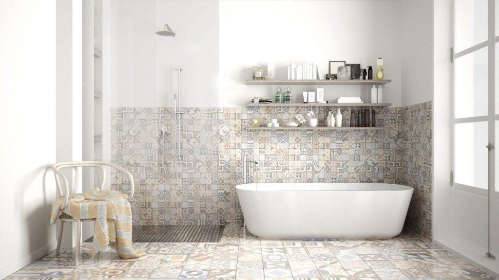salle de bain avec baignoire et douche avec carreaux de ciment