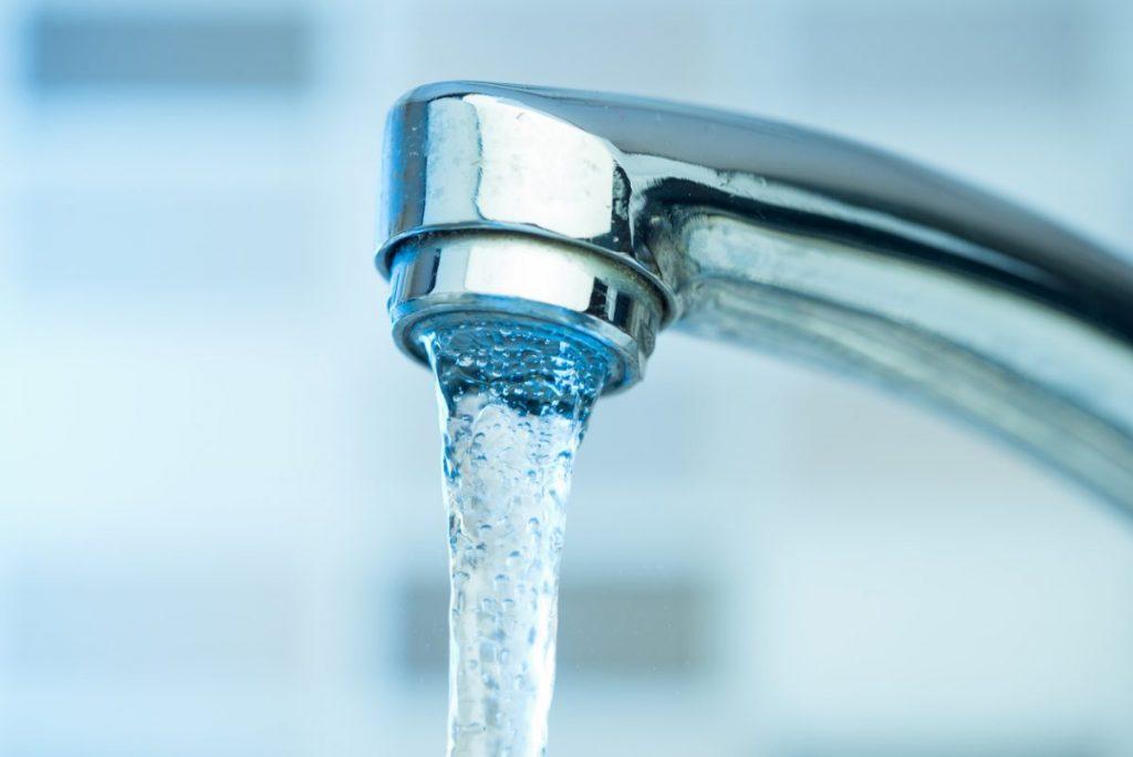 comment installer mousseur robinet