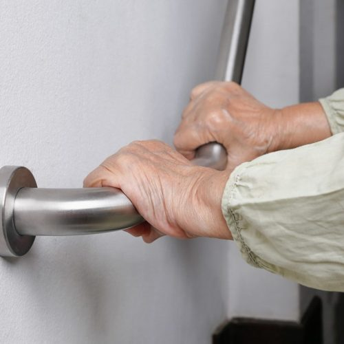 main-courante-de-securite-pour-personnes-agees