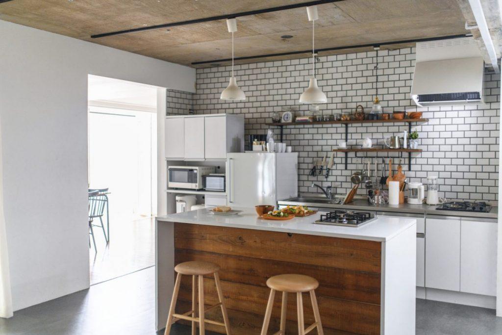 moderniser-une-cuisine-facilement-avec-ilot-central