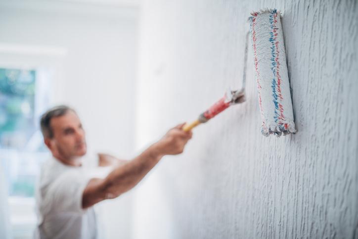 Faire ses peintures soi-même permet de réaliser d'importantes économies