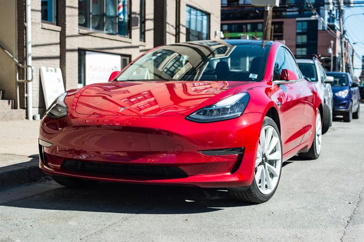 tesla model 3 voiture electrique