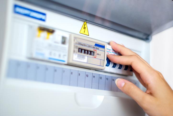 L'installation d'un chauffe-eau électrique instantané nécessite quelques vérifications sur le compteur électrique