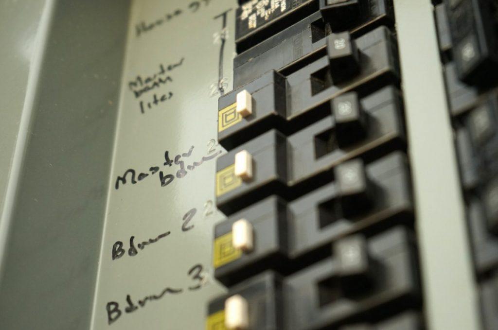 remplacer porte-fusible par disjoncteur