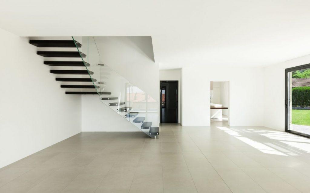 escalier-en-parquet-noir
