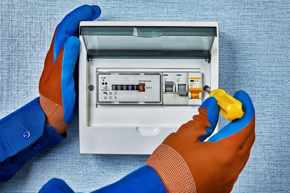 tableau-electrique-comment-tester-un-disjoncteur