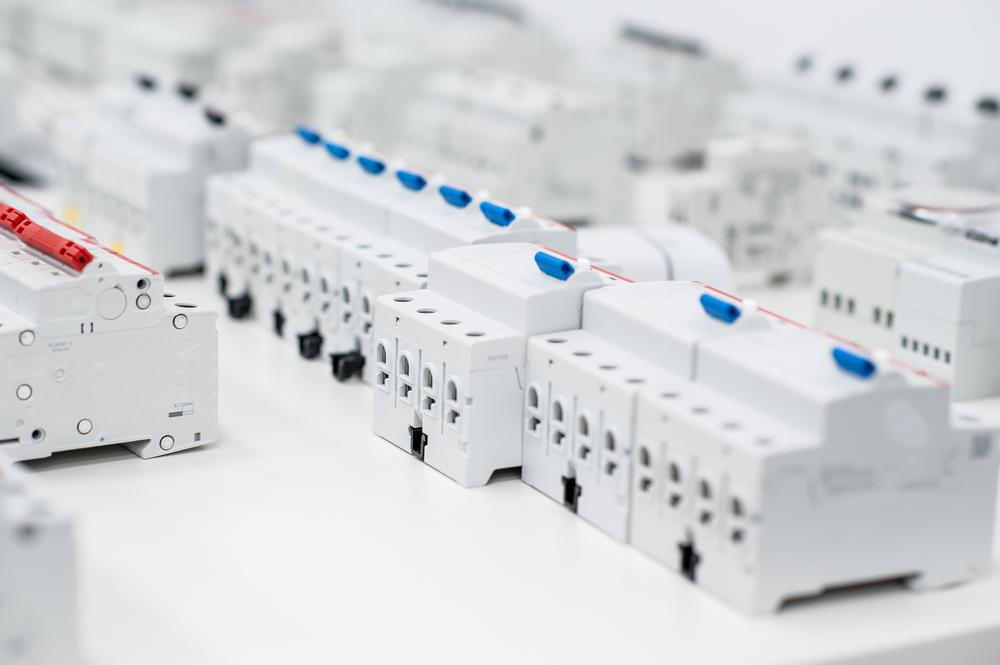 tableau-electrique-prix-interrupteurs-et-disjoncteurs-differentiels