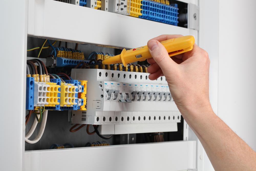 tableau-electrique-regles-interrupteurs-et-disjoncteurs-differentiel-30-ma
