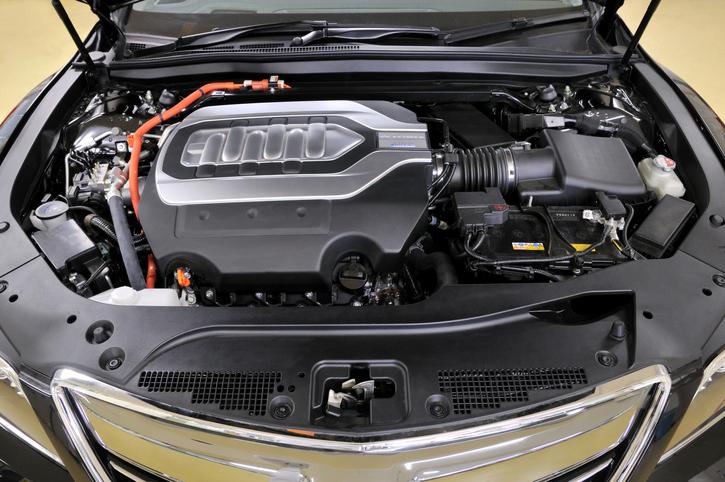 moteur-hybride-capot