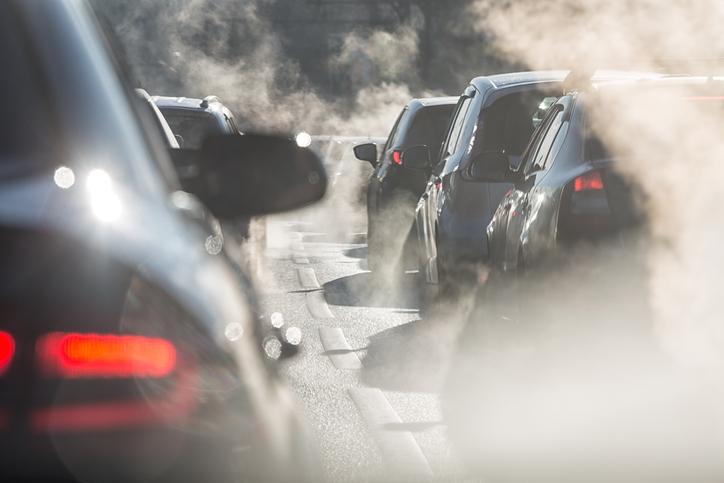 Les voitures thermiques émettent beaucoup de gaz à effet de serre