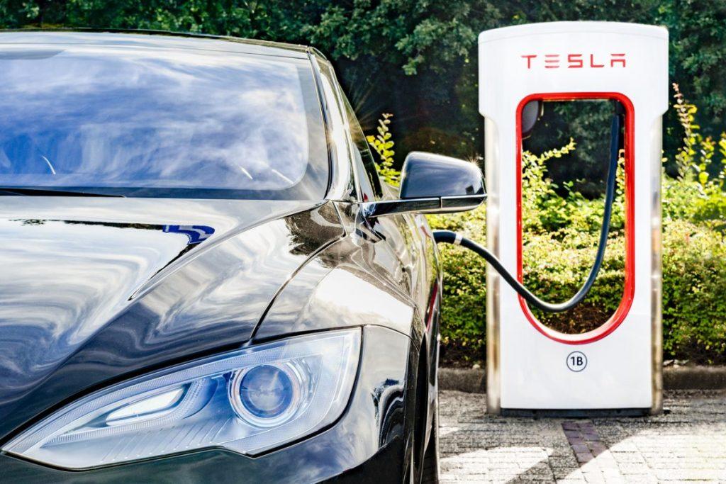 tesla-model-s-supercharger
