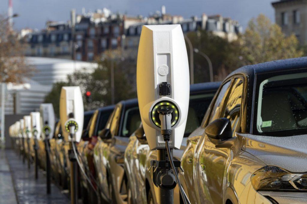 Que savoir avant d'acheter une voiture électrique ?