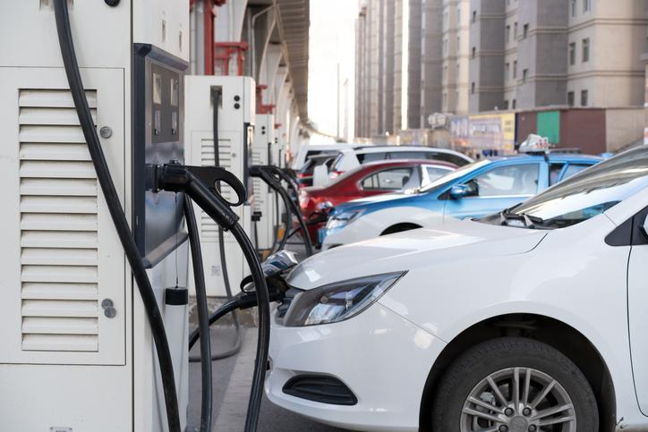 Station de recharge publique pour véhicules électriques