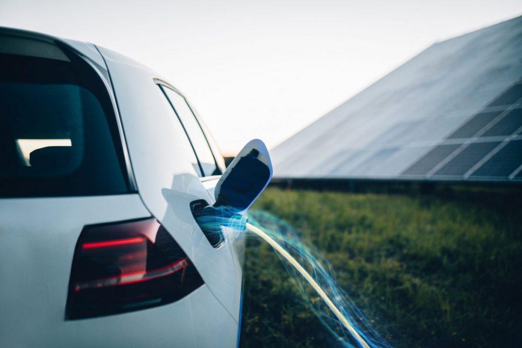 energie solaire recharger vehicule electrique