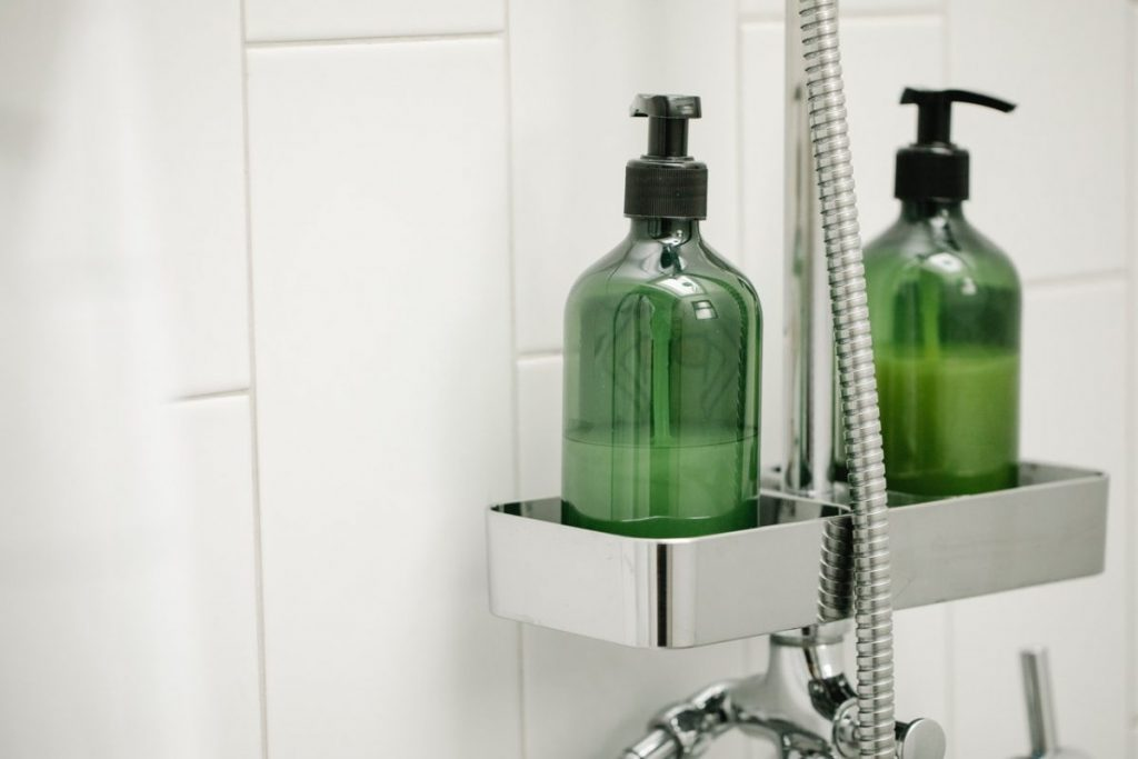 carrelage-vertical-salle-de-bain