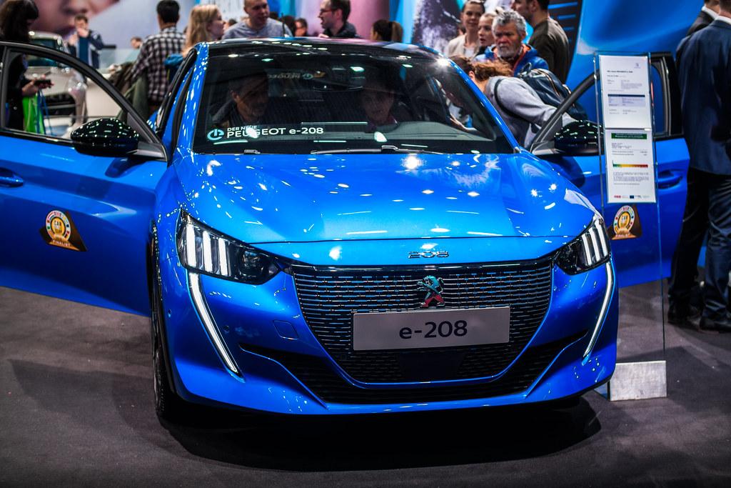 Peugeot-e-208-petite-voiture-électrique