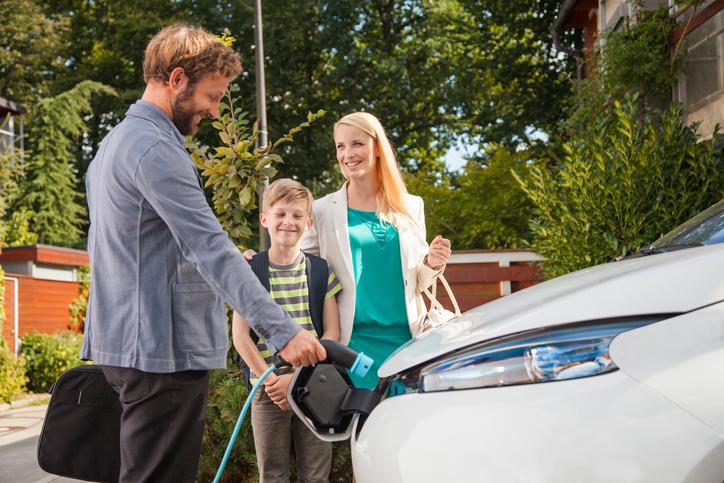Comment recharger la Nissan e-NV200 à domicile ?
