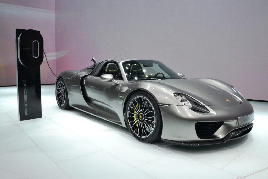 Comment recharger la Porsche 918 Spyder ?