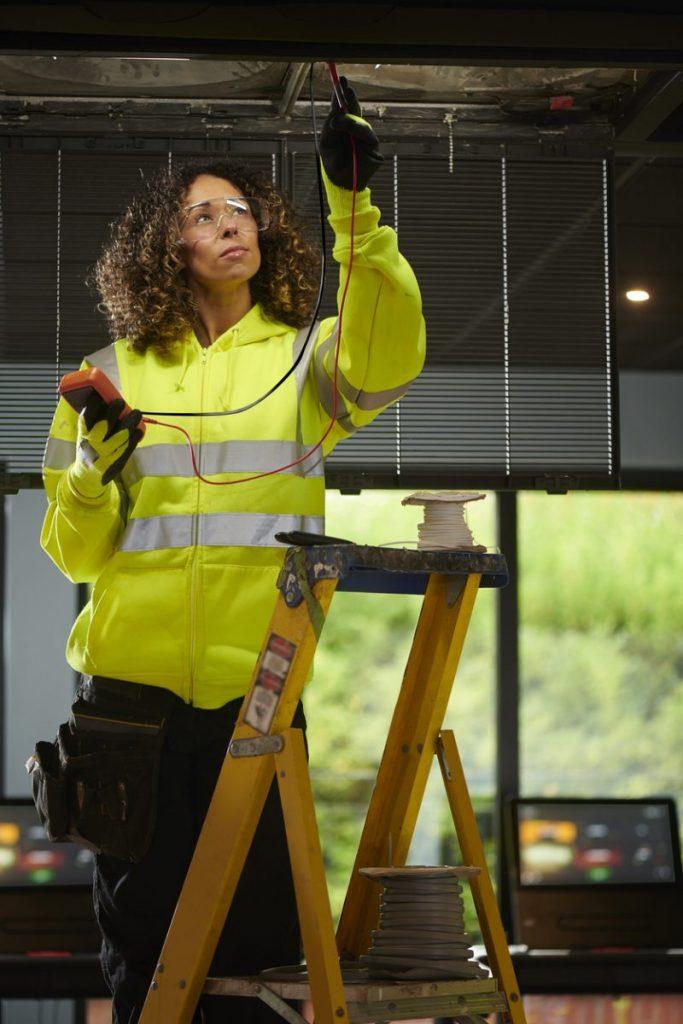 qualifications requises electricien