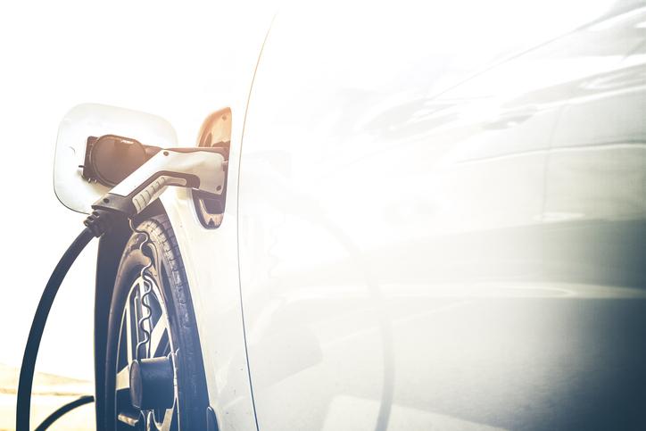 Recharger la Mercedes Classe E hybride rechargeable